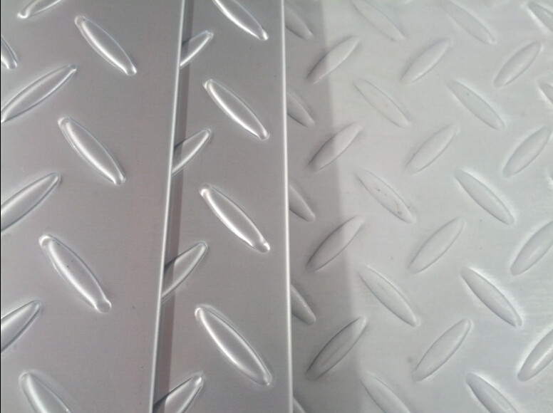 Diamond 304 / 316L Hot Rolled Steel Sheet 3mm - 8mm For Checkered Plate